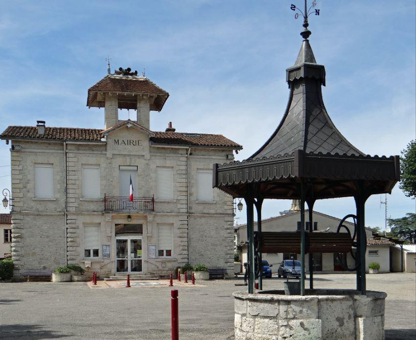 Laroque-Timbaut_-_Mairie_-2.JPG