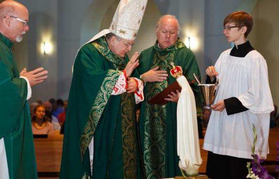 Cardinal-Burke-Russie-pas-consacree-Notre-Dame-Fatima.jpg