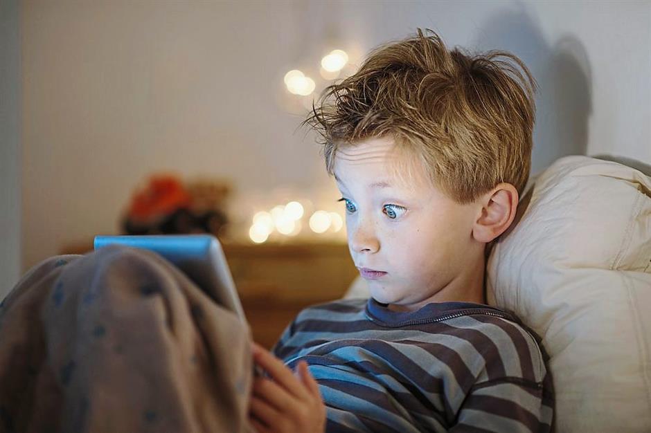 enfant-tablette-ecran-2.jpg