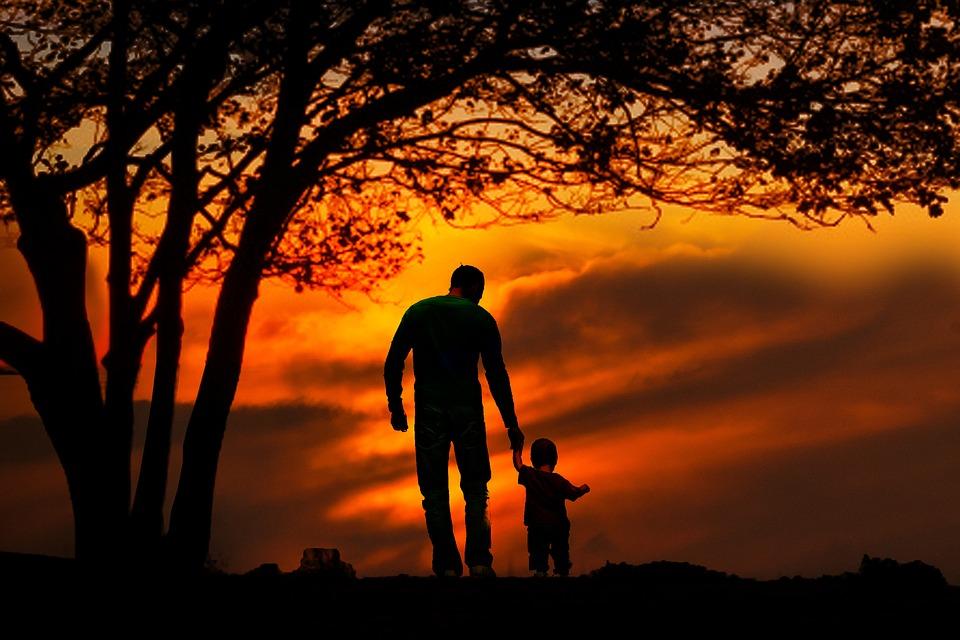 Pere-enfant-couche-de-soleil.jpg