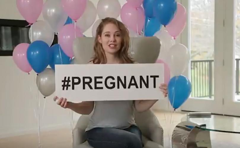 pregnancy_announcement_Laura_Klassen_-_Copie.jpg