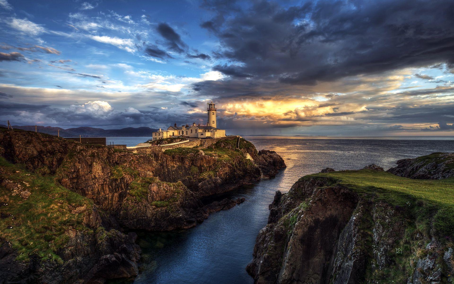 Irlande-nature-paysage-eau-ruisseau-mer-phare.jpg