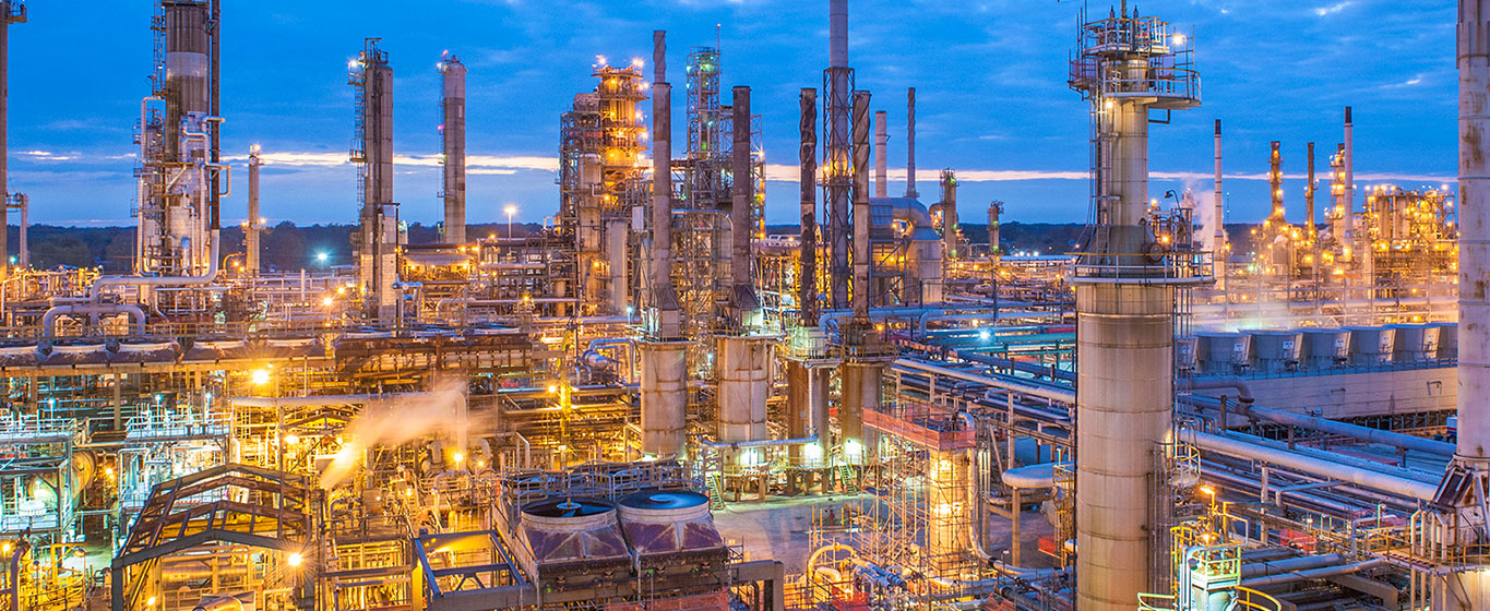 What is the Economic Contribution of Refineries in Ontario?