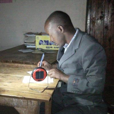 SolarAid_MrMaloyiBometCountyKenya-VictorAug2012_399.jpg