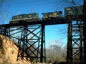 4trainontrestle.jpg