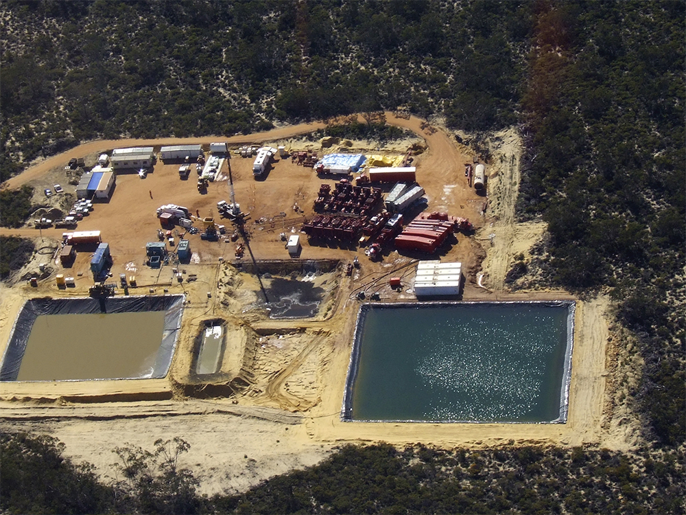1fracking_site_Aerial_view_near_Beekeepers_Nature_Reserve_Eneabba.jpg