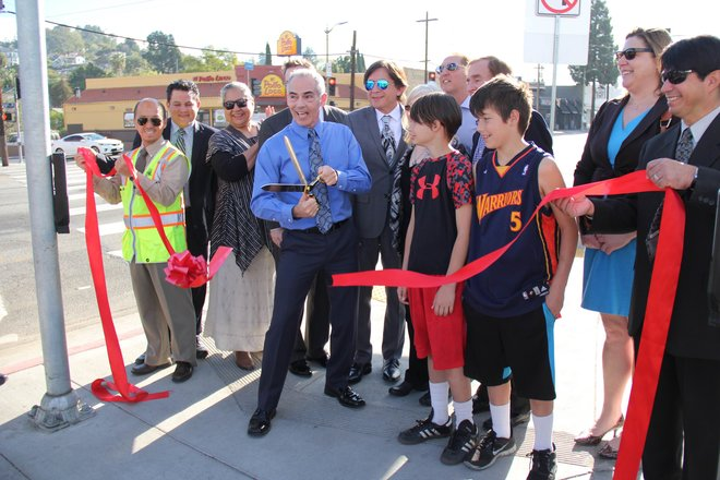 rsz_sunset_junction_streetscape_ribbon_cutting_660_440.jpg