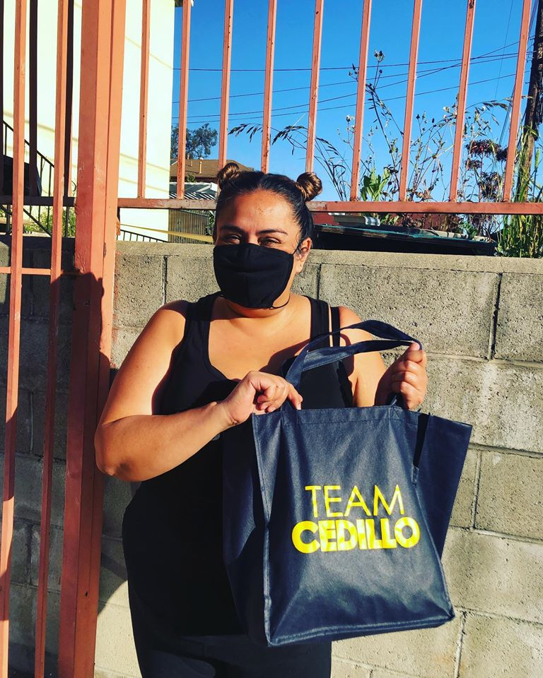 Solano Canyon Residents received masks from Team Cedillo 4-23-2020 #2