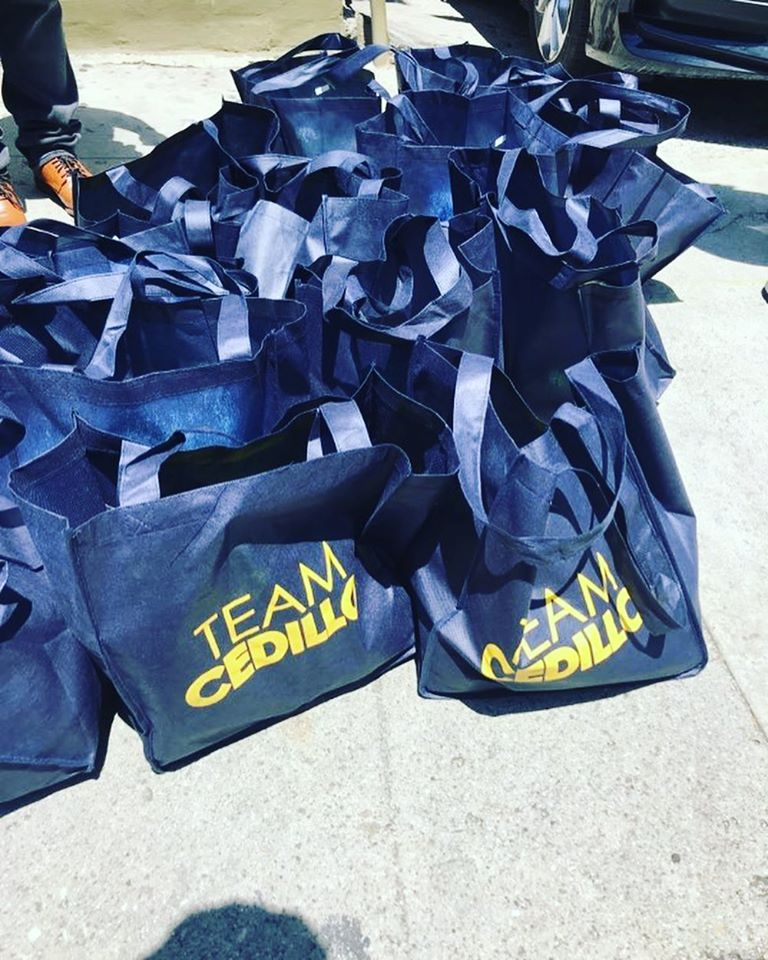 10th Place neighbors in Pico Union received bags of produce 4-28-2020 #1