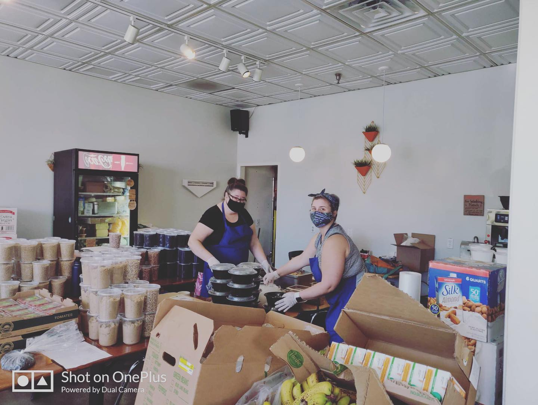 Glassell Park's Lemon Poppy to deliver food to seniors 4-24-2020 #3