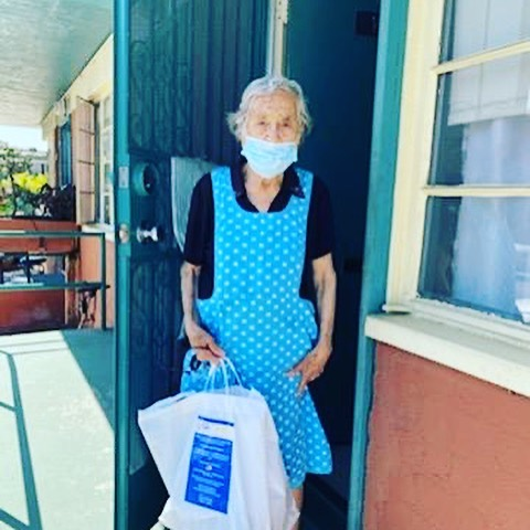 William Mead Homes served Homegirl Café meals to seniors 4-28-2020 #6