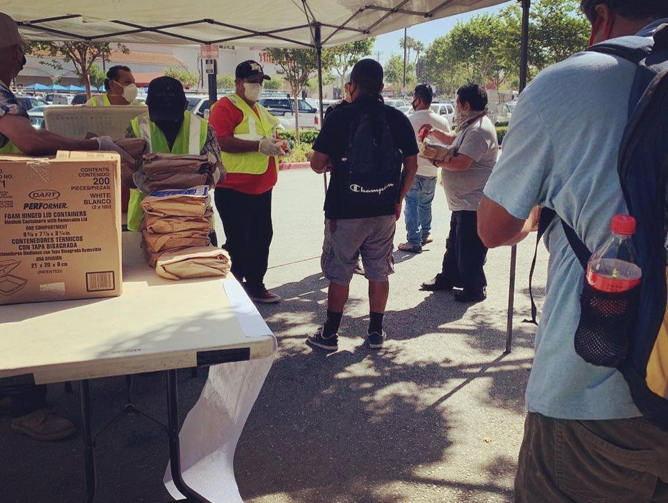 IDEPSCA and Antigua Restaurant Distributed meals at Cypress Park Day Labor Center 5-8-2020 #2