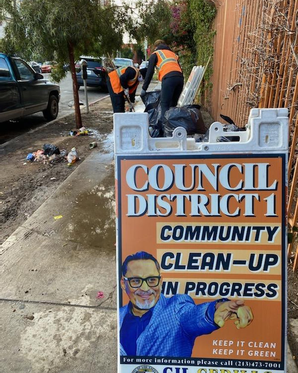Councilmember Gil Cedillo's community clean up in progress at the corner of Beacon St and 7th St in Westlake 3-11-2021