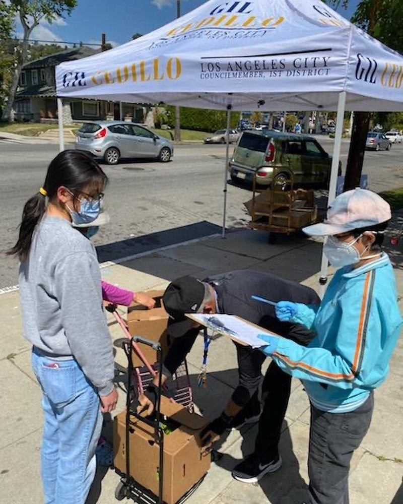 Team Cedillo, CCNP and Foursquare Church distributed produce to hundreds of neighbors in Highland Park 3-26-2021