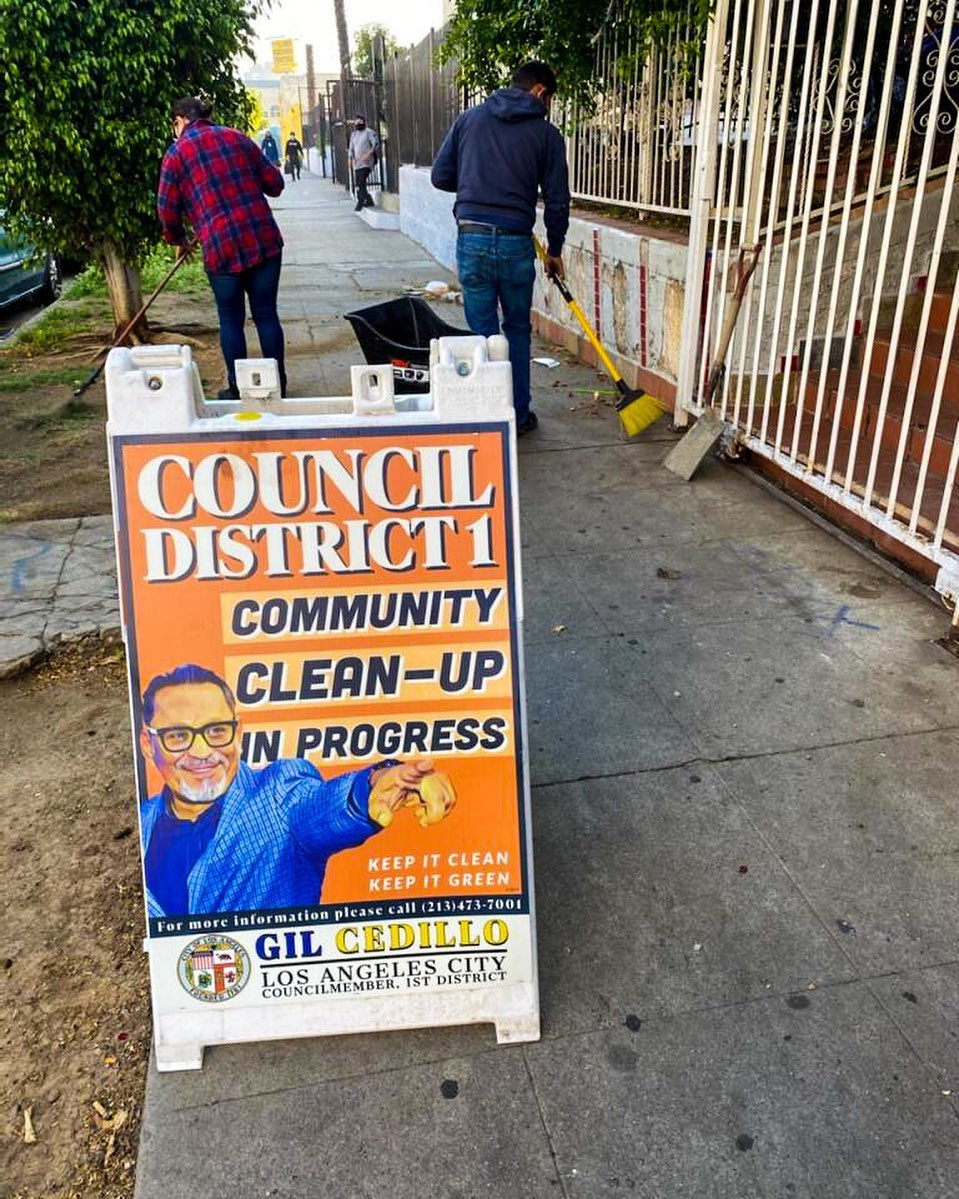 CD1 Community Clean up in progress at the corner of Burlington St and 7th St in Westlake 5-5-2021