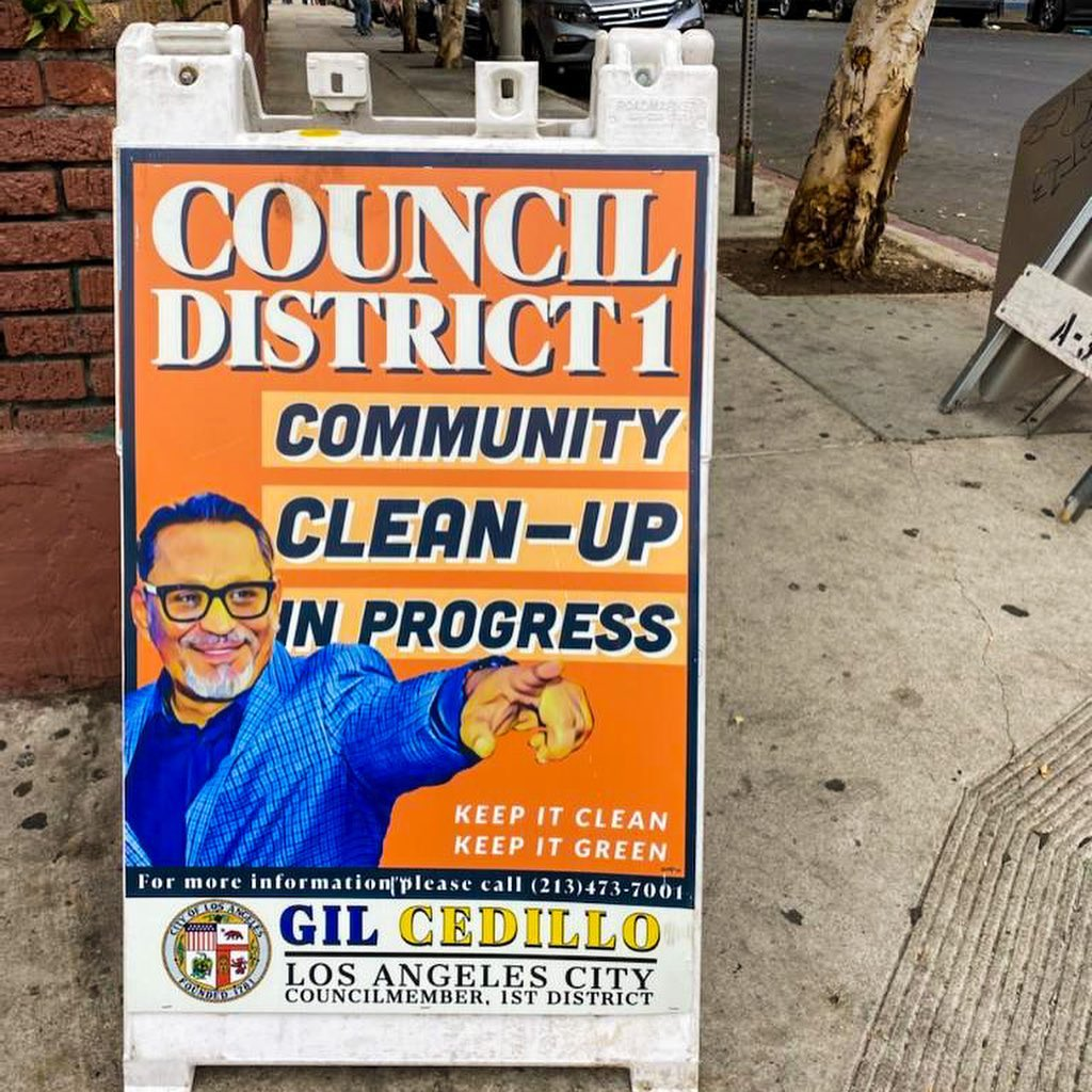 CD1 Community Clean up in progress at the corner of Albany St. and Pico Blvd. in Pico Union ENGLISH 5-12-2021