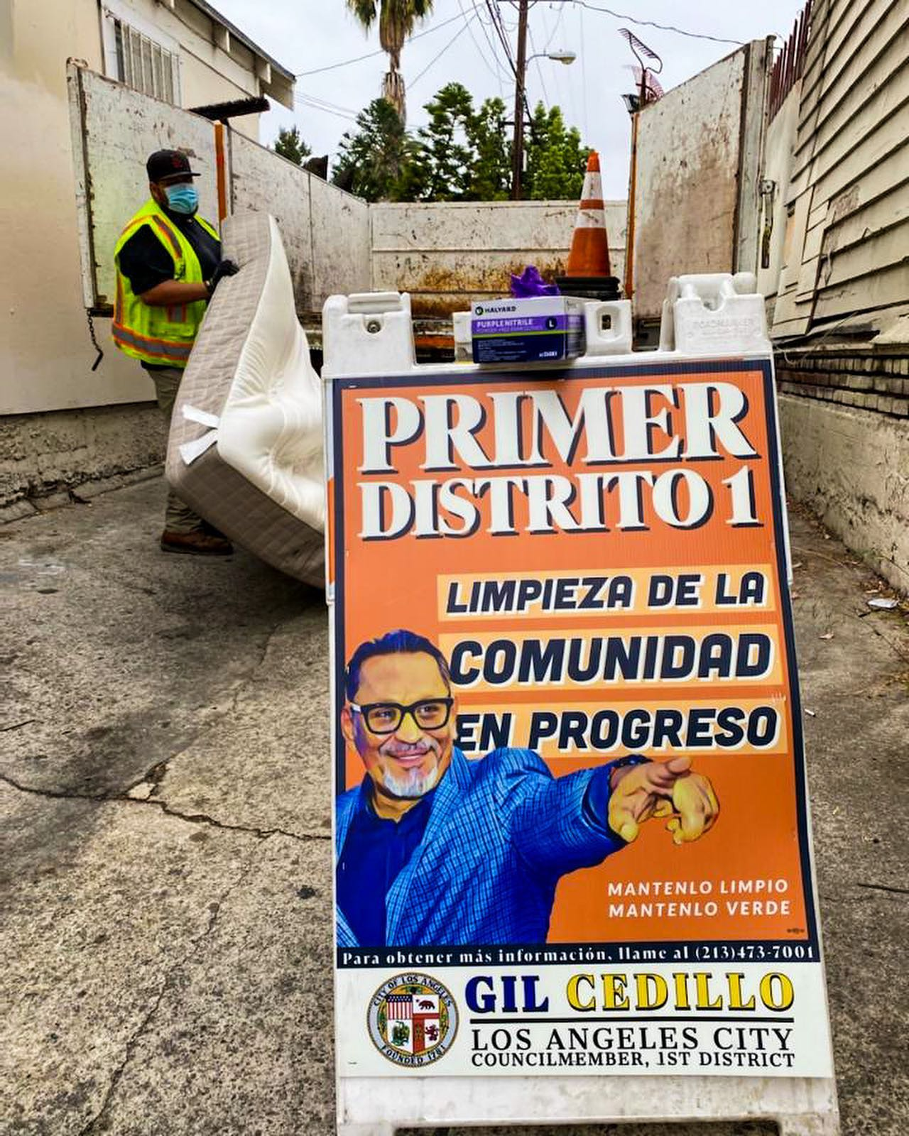 CD1 Community Clean up on the corner of 12th St. and Lake St. in Pico Union 5-14-2021