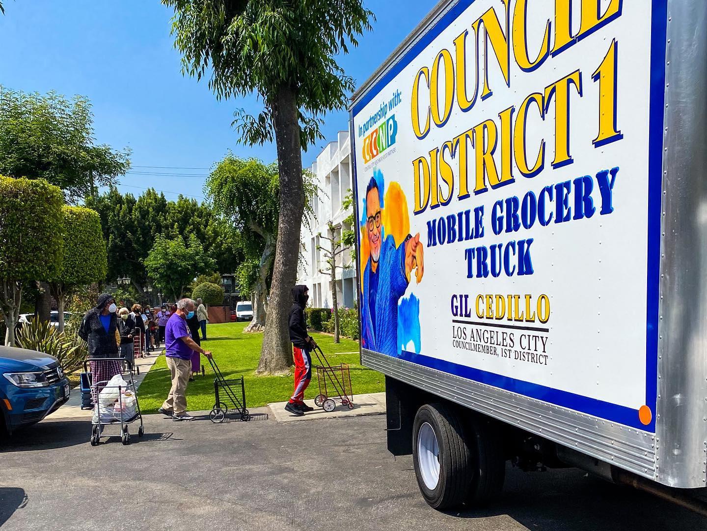 Councilmember Cedillo's Mobile Grocery Truck at Union Villa Senior Apts in Pico Union 5-14-2021 #2