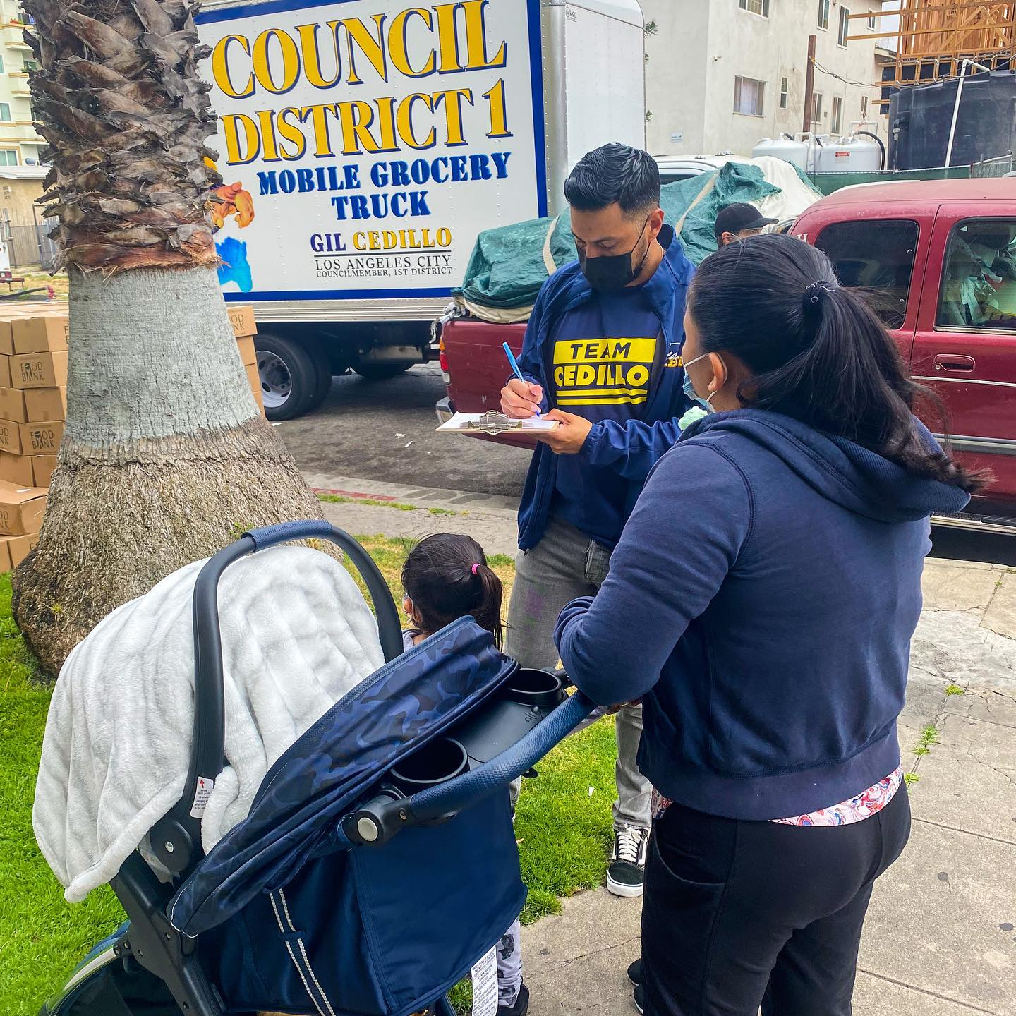 Councilmember Gil Cedillo's Mobile Grocery Truck was parked Leeward Ave and Magnolia St in Westlake 5-14-2021 #1