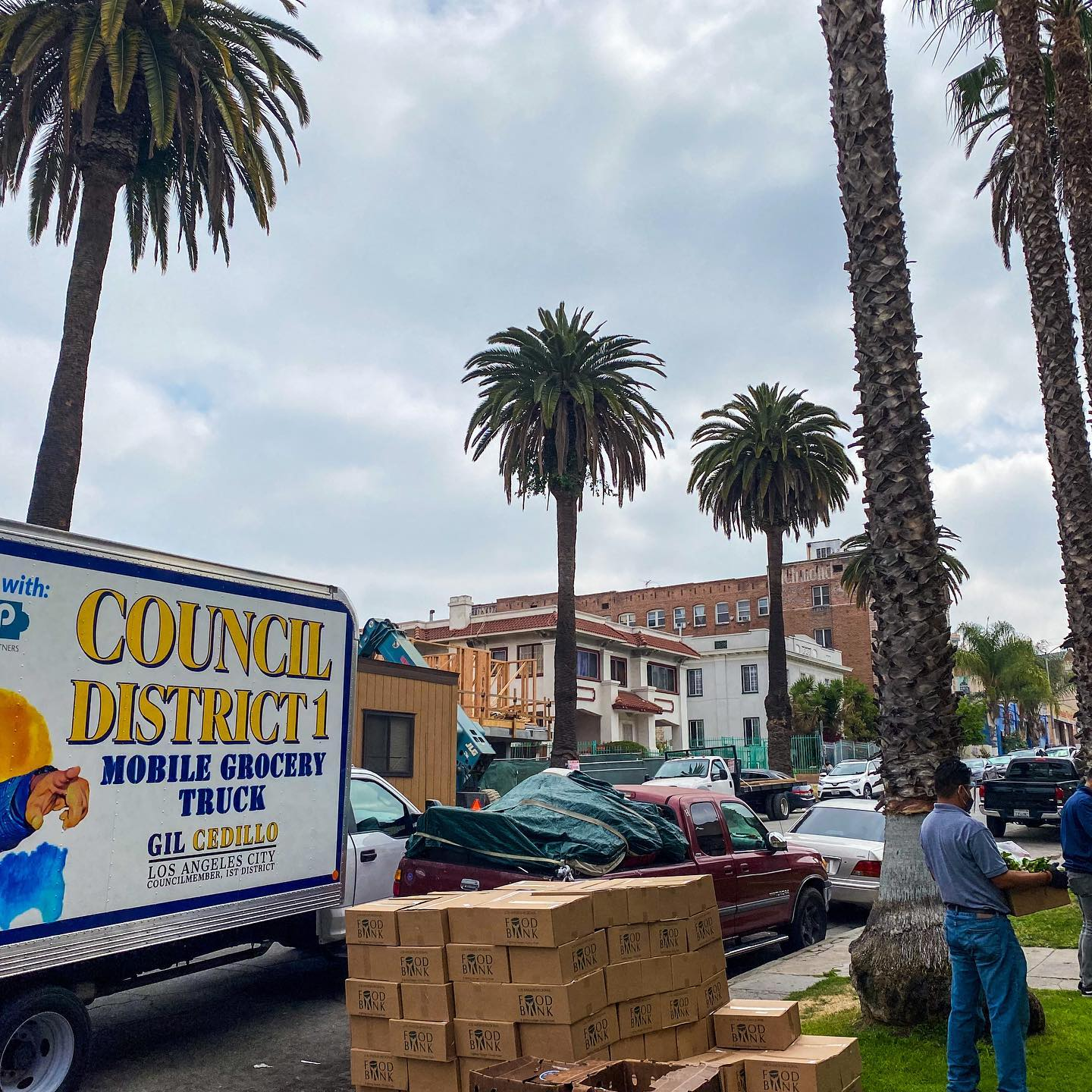 Councilmember Gil Cedillo's Mobile Grocery Truck was parked Leeward Ave and Magnolia St in Westlake 5-14-2021 #2