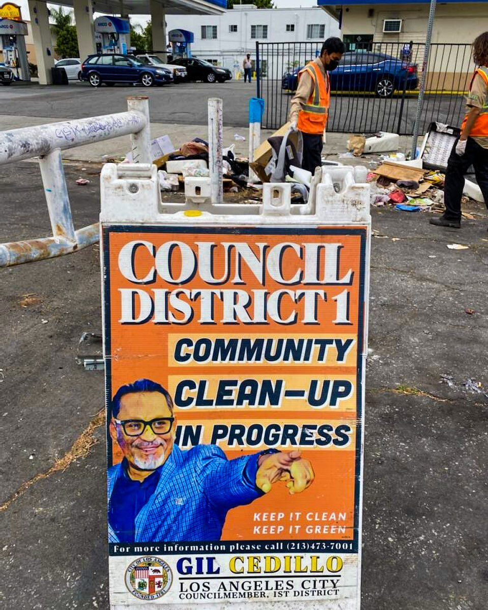 CD1 conducted a Community Clean Up at the corner of Alvarado St. and 12th St. in Pico Union 5-19-2021