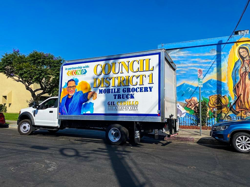 Councilmember Gil Cedillo's Grocery Truck was at the corner Toberman St and Pico Blvd in Pico Union 6-4-2021