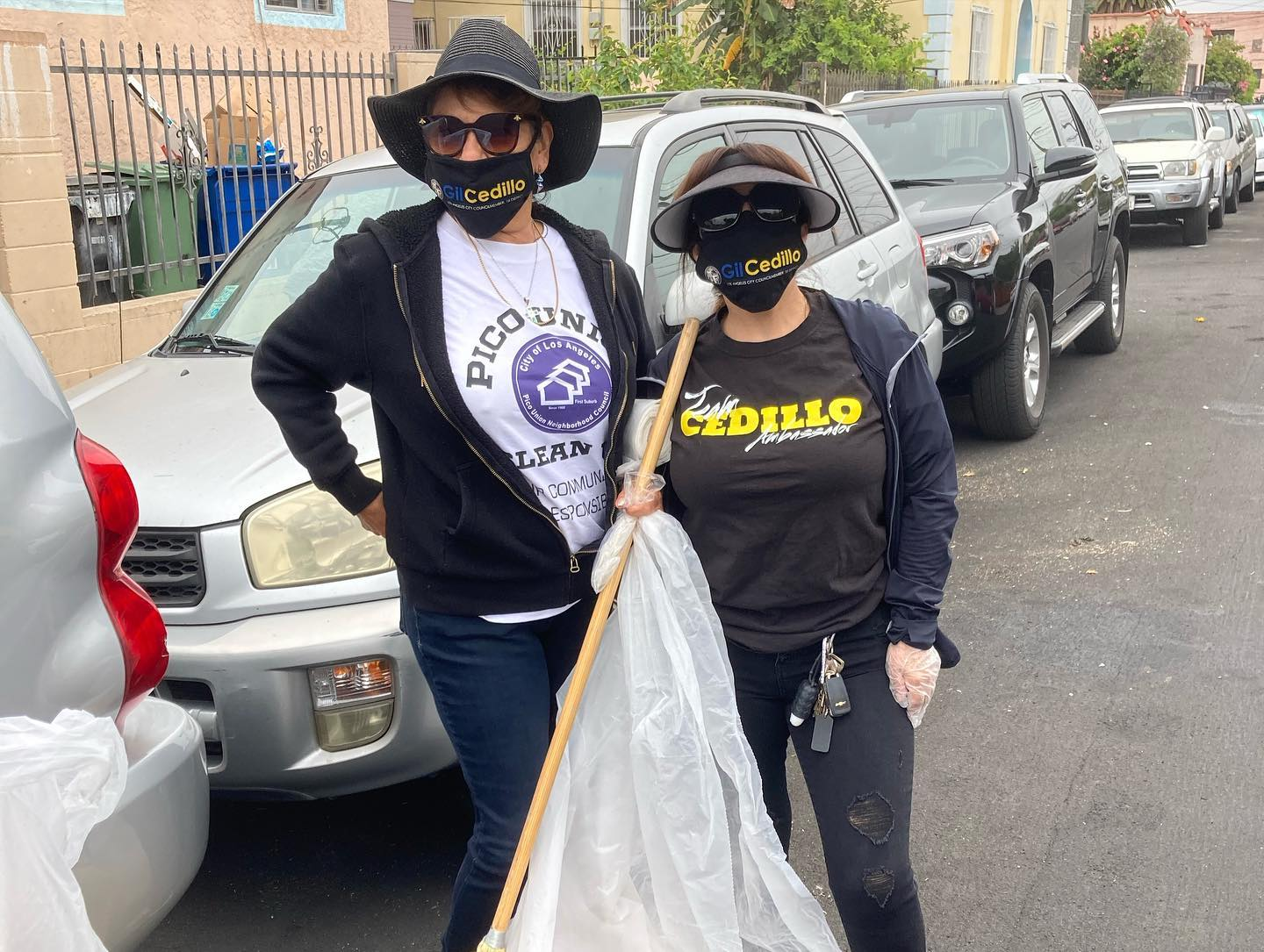 Team Cedillo, Constance Neighbors & Pico Union NC at Clean Up & distribution of 311 info 5-29-2021 #2