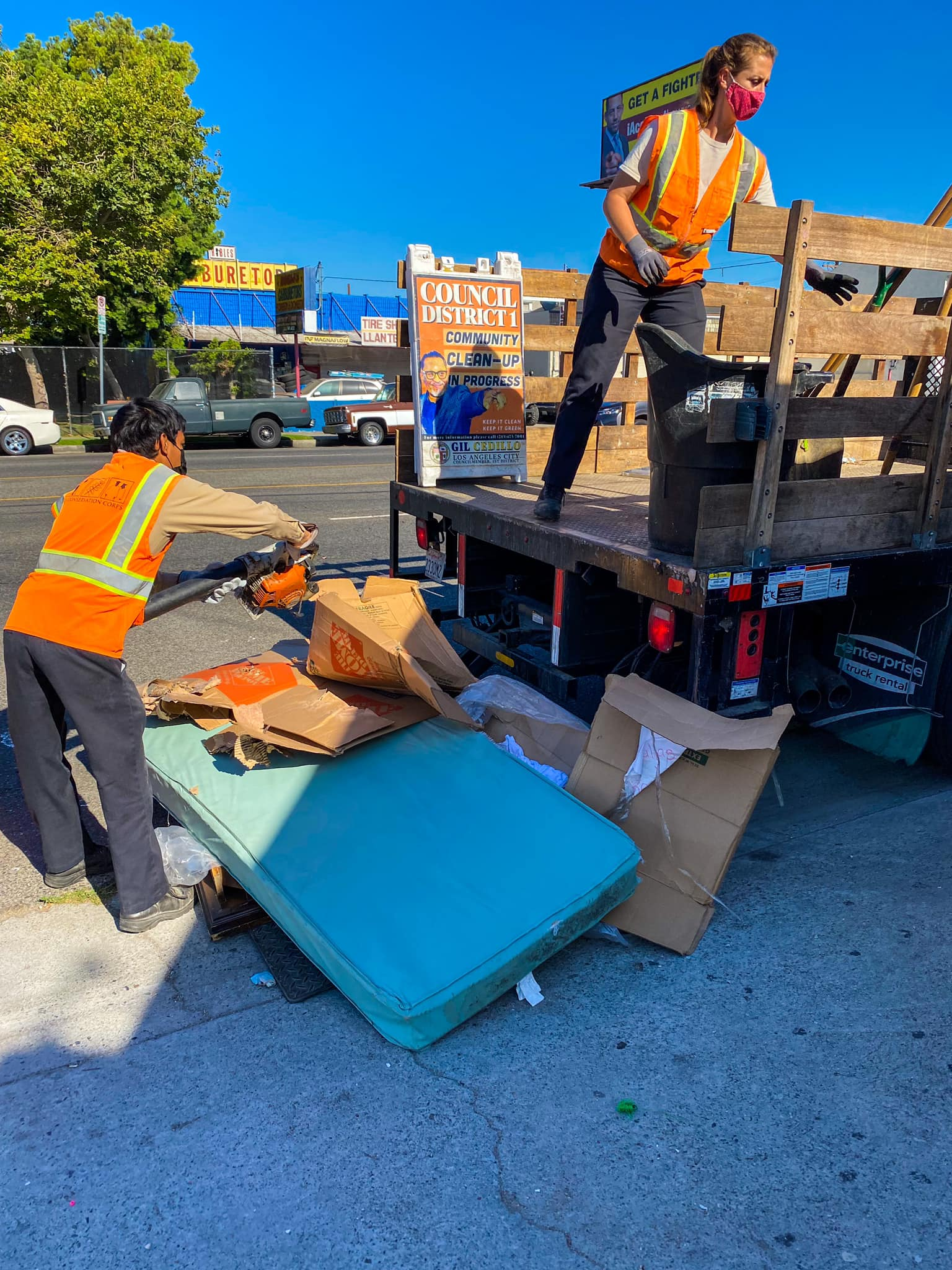 Councilmember Gil Cedillo's Strike Team cleaning alleys in Pico Union 6-14-2021 #1