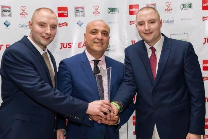 The delicious taste of success! Celebrations as Thame kebab van scoops award