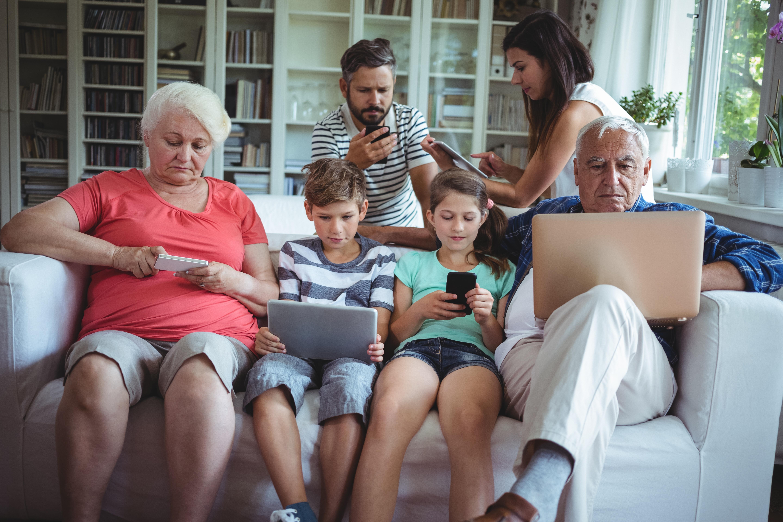 family_technology.jpeg