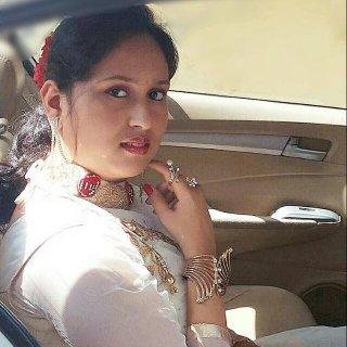 Profile picture for Himanshi Bhalla