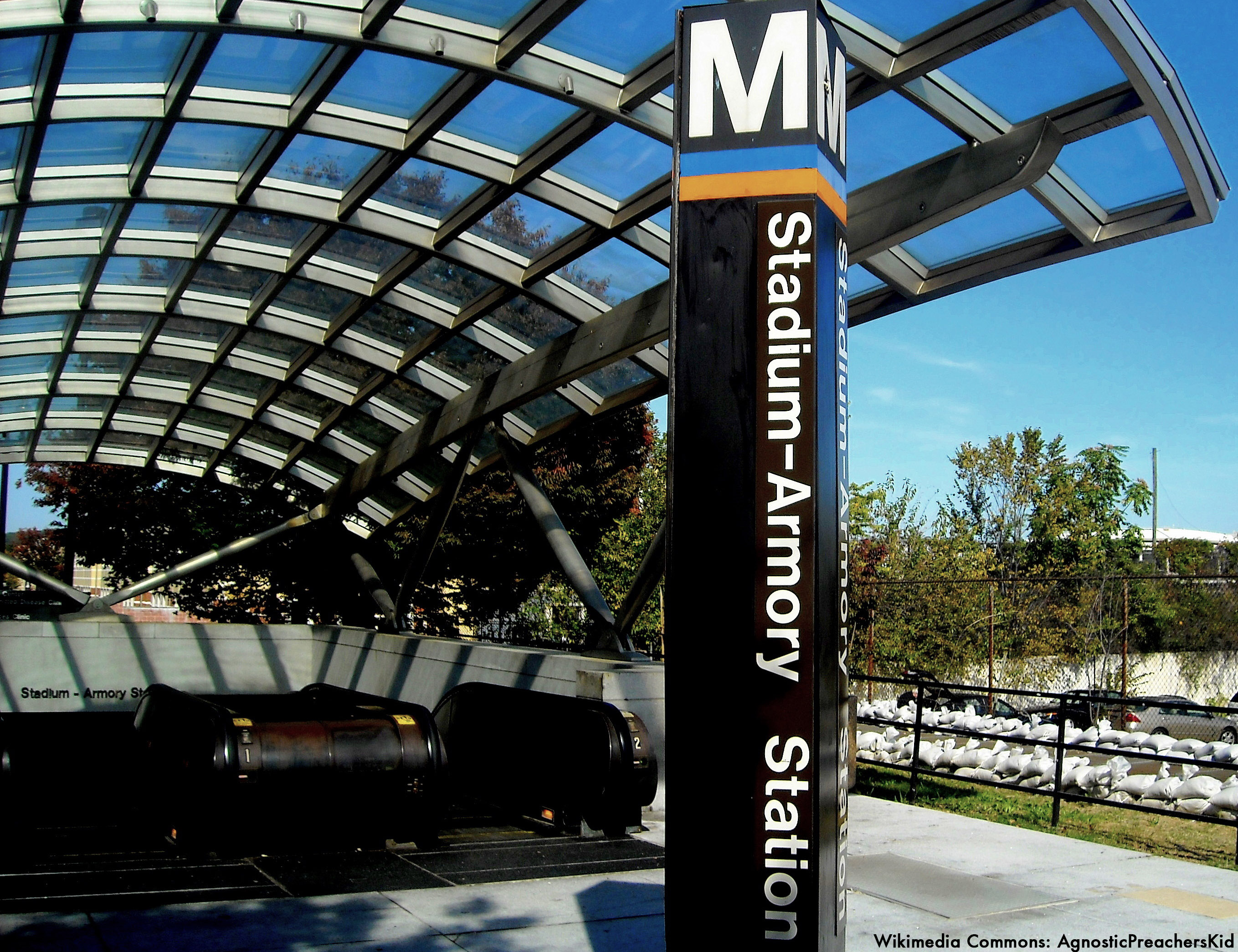 Stadium-Armory_Metro_entrance_copy.jpg