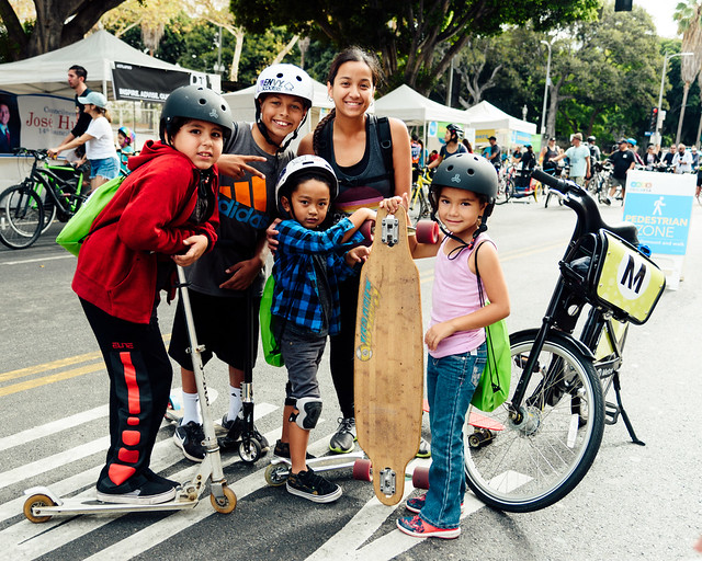 Family friendly ciclavia activities
