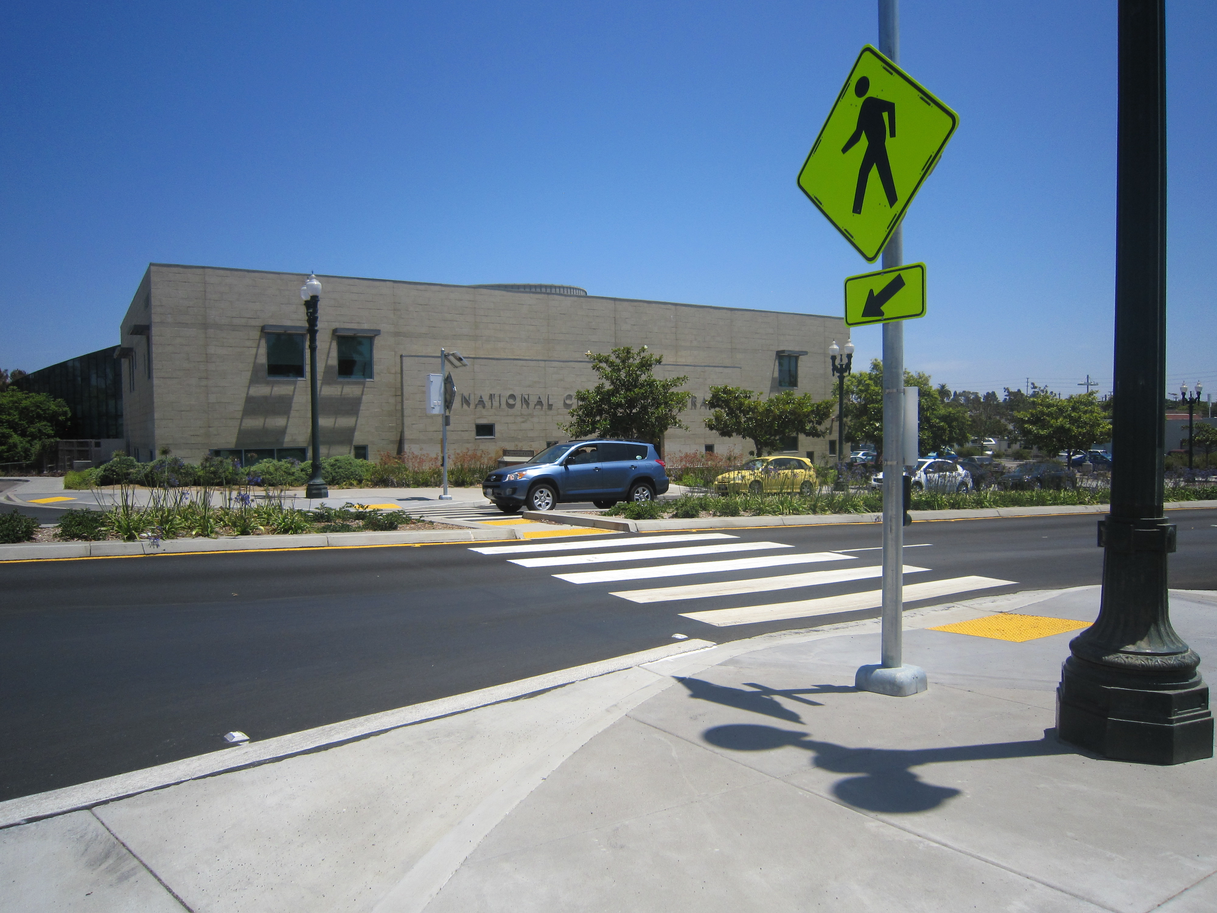 National_City_ped_activated_crosswalk_library_4.JPG
