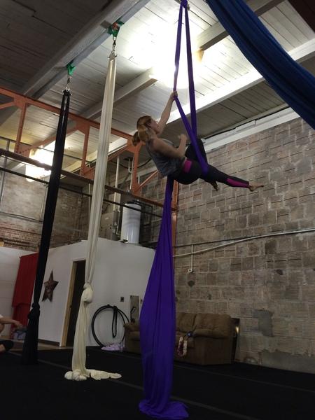 Cirque Indy - theCityMoms.jpg