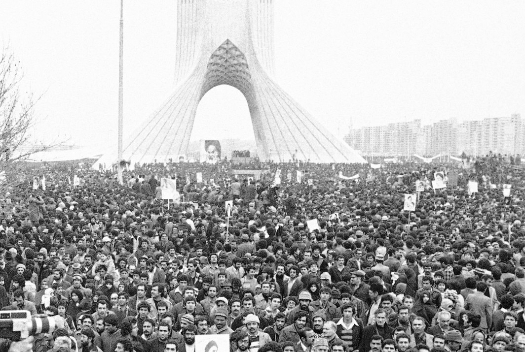 Iranian_Revolution_in_Shahyad_Square.jpg