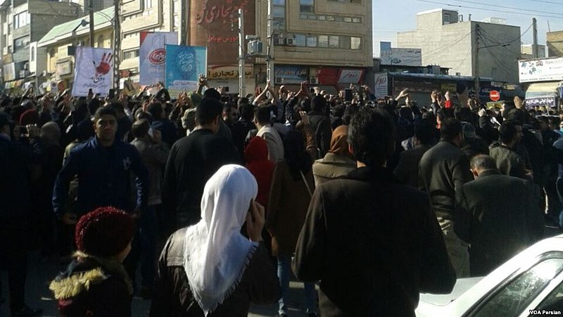 800px-29_December_2017_protests_in_Kermanshah__Iran.jpg
