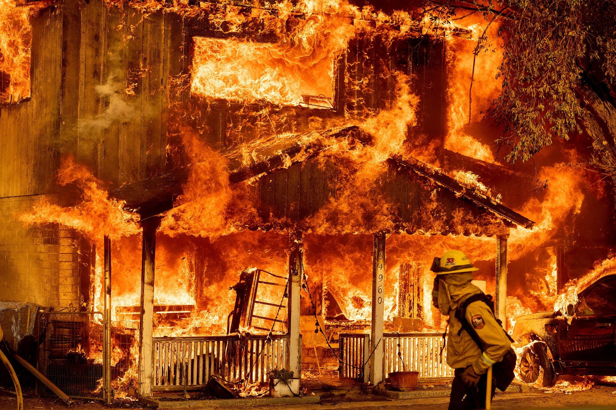 Building_on_Fire.jpg