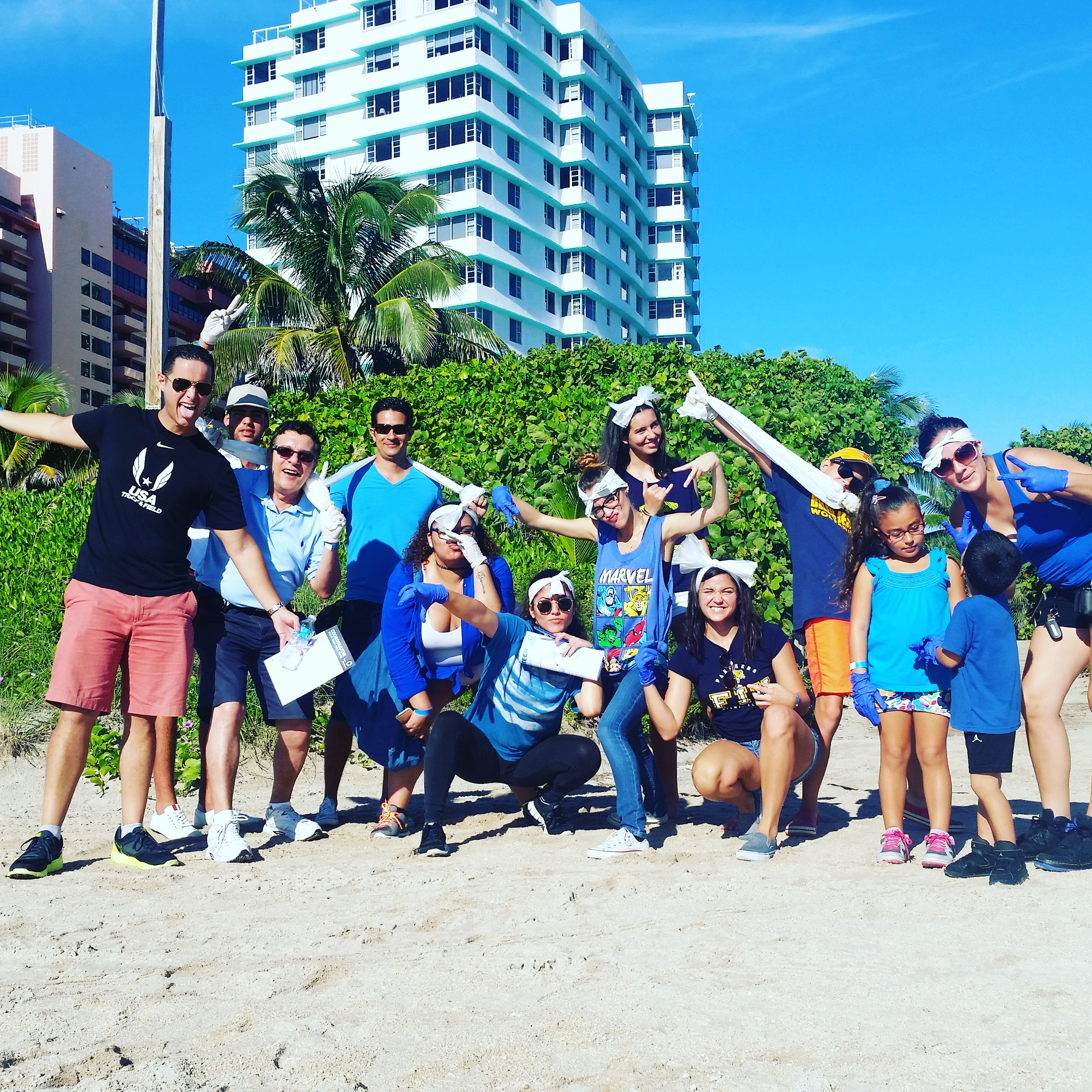 2015_Beach_Cleanup_034_mb_suncare.jpg