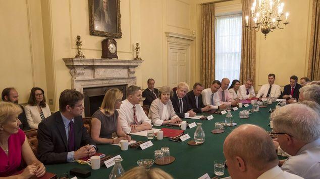 Theresa_May_cabinet.jpg