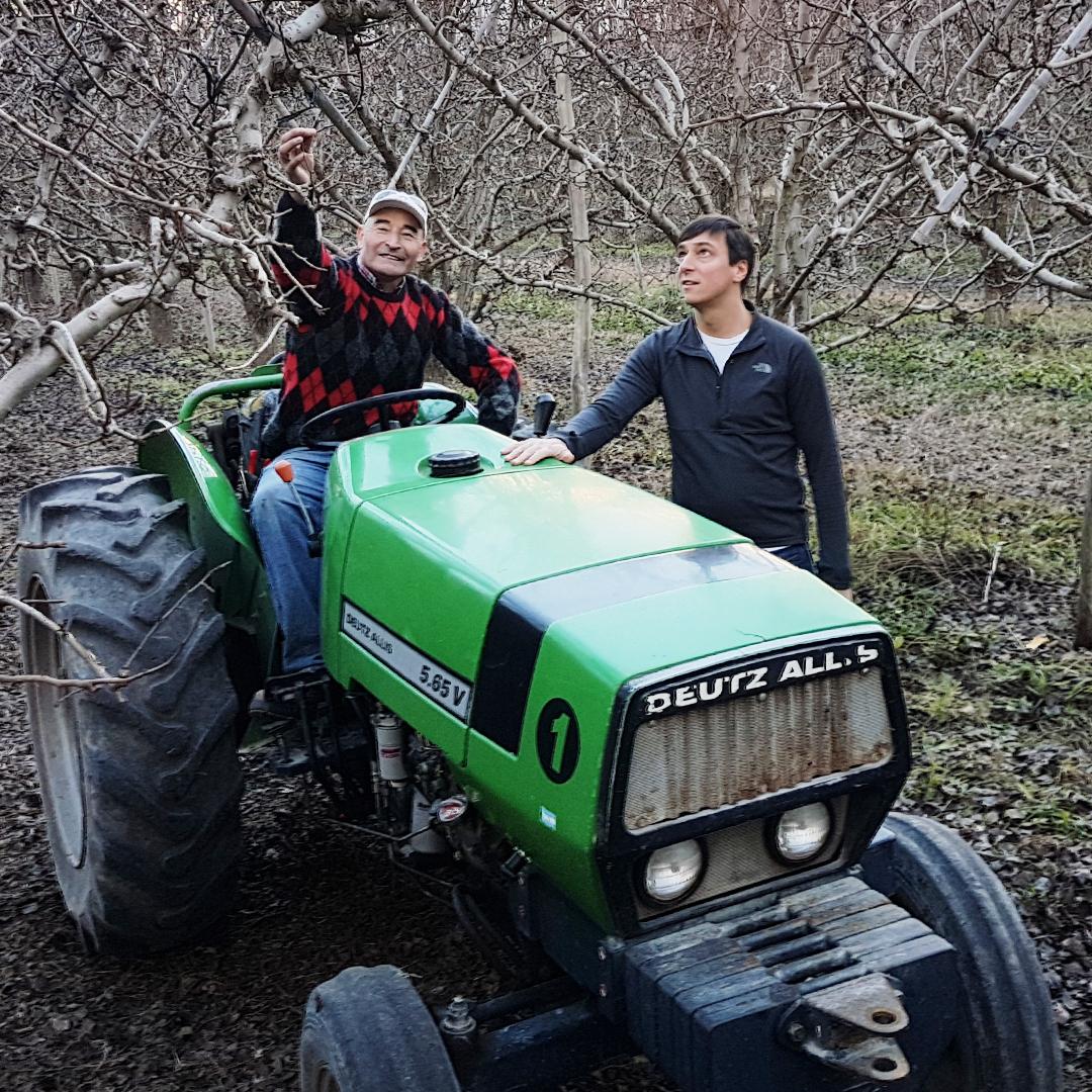 javier-tractor_(1).jpg
