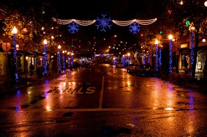Street_Holiday_Lights-300x199.jpg
