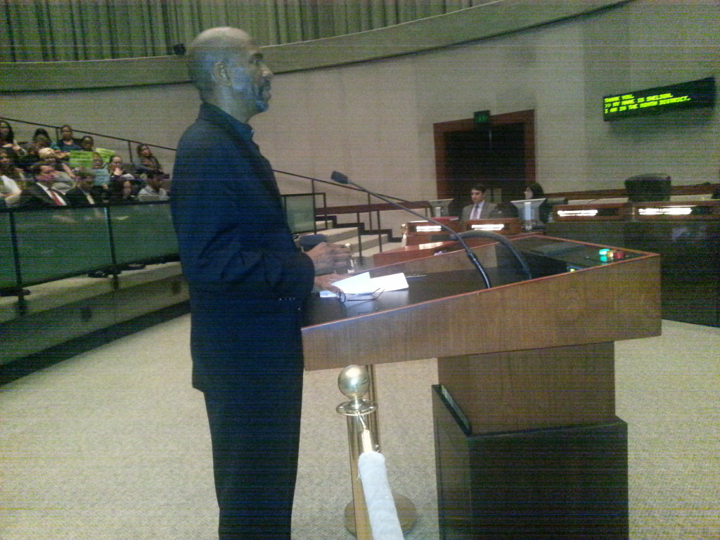 Minister Sheldon Ervin, of Church One, testifying before Long Beach City Council on labor peace.