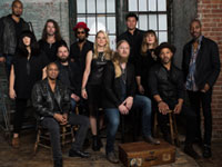 Tedeschi-Trucks-Band_Photo-Credit-Tedeschi-Trucks-Band_Band-General-2.jpg