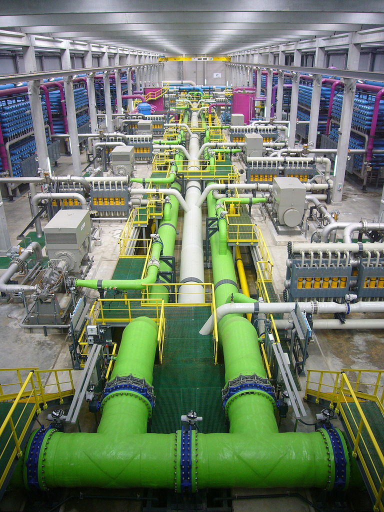 768px-Reverse_osmosis_desalination_plant.JPG