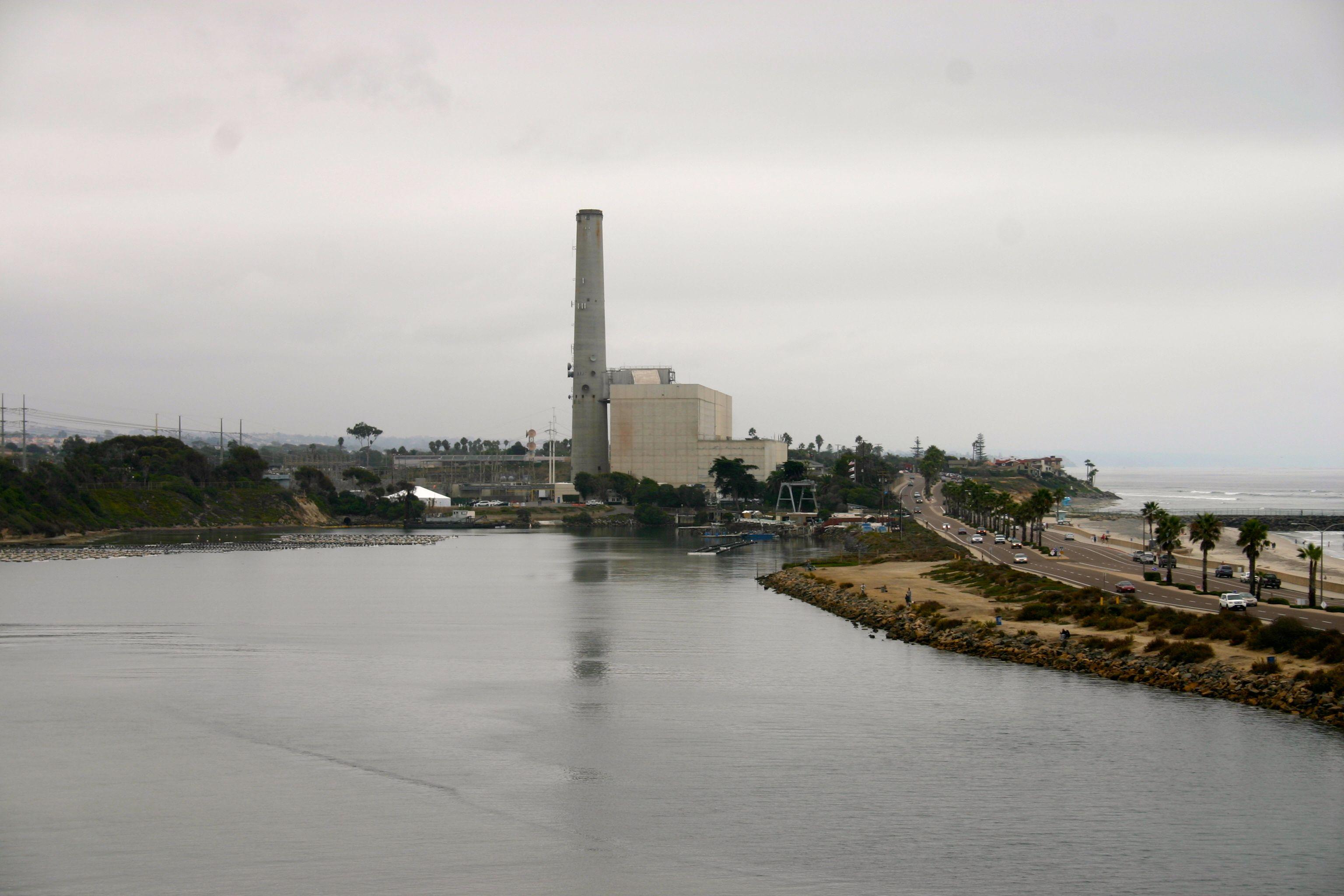 Carlsbad_desalination_plant2.jpg