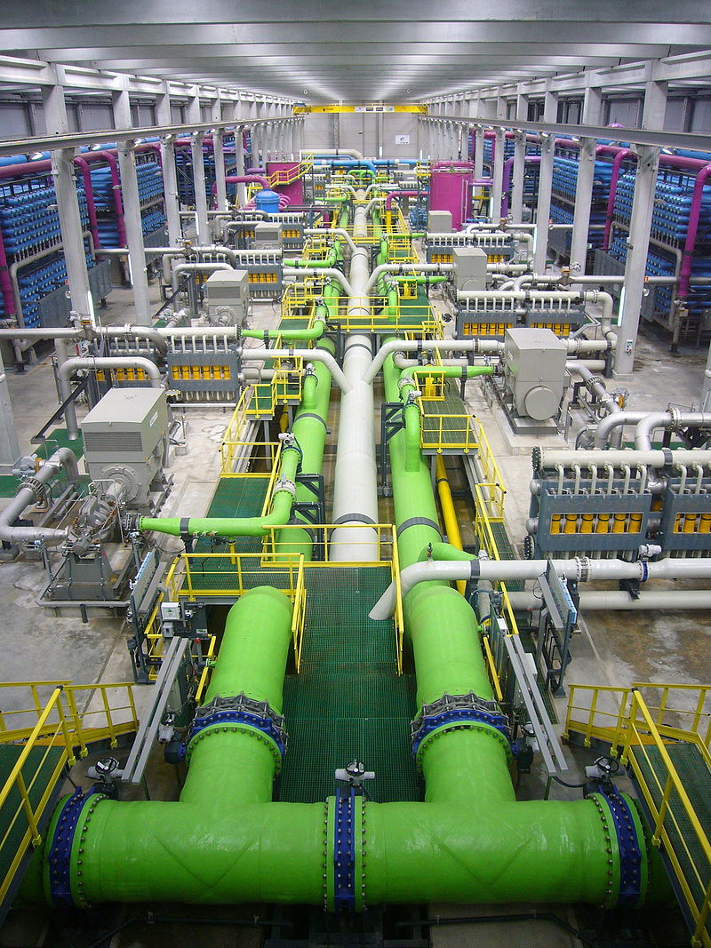 800px-Reverse_osmosis_desalination_plant.JPG
