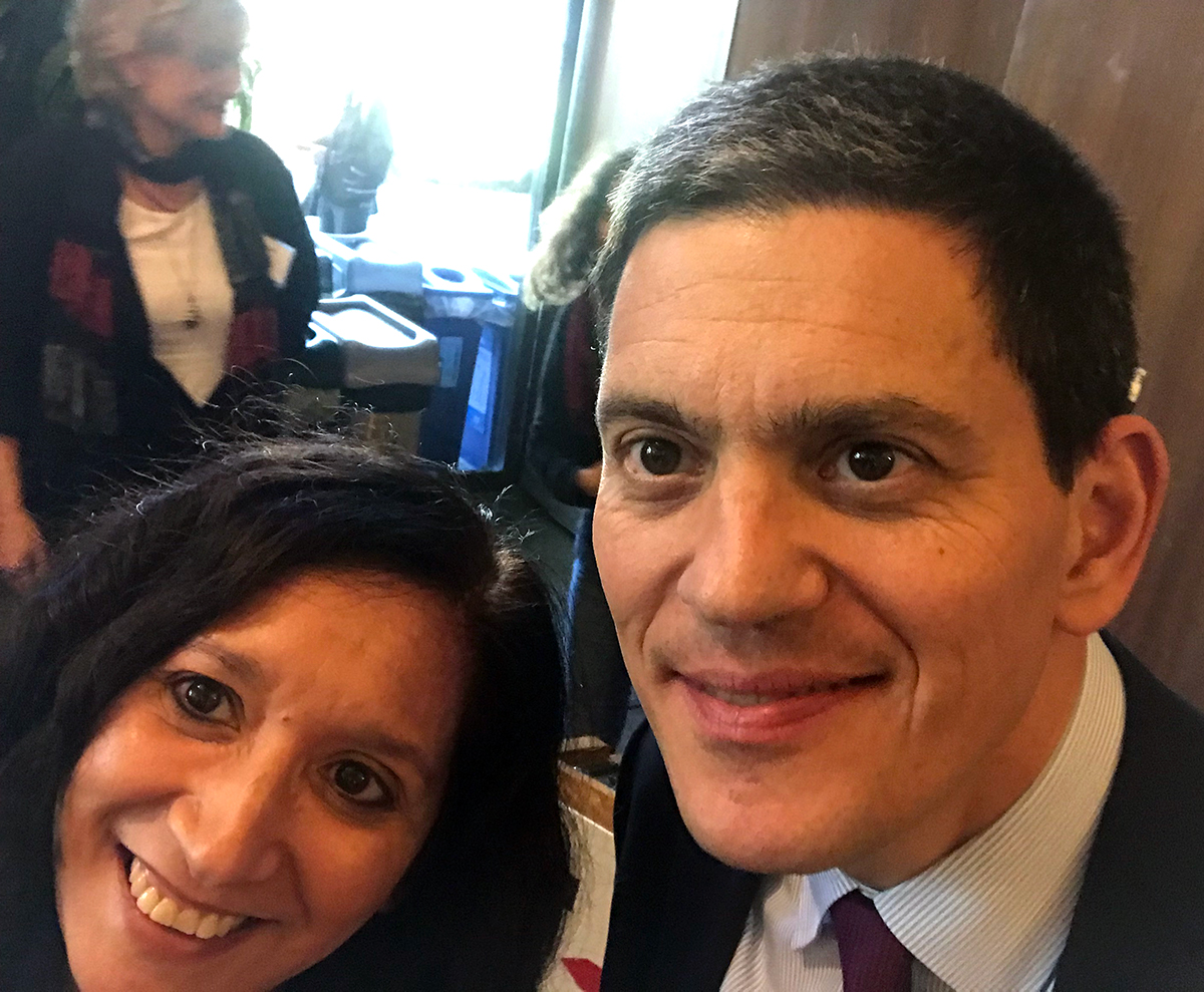 Nancy Mancias delivers petition to IRC CEO David Miliband