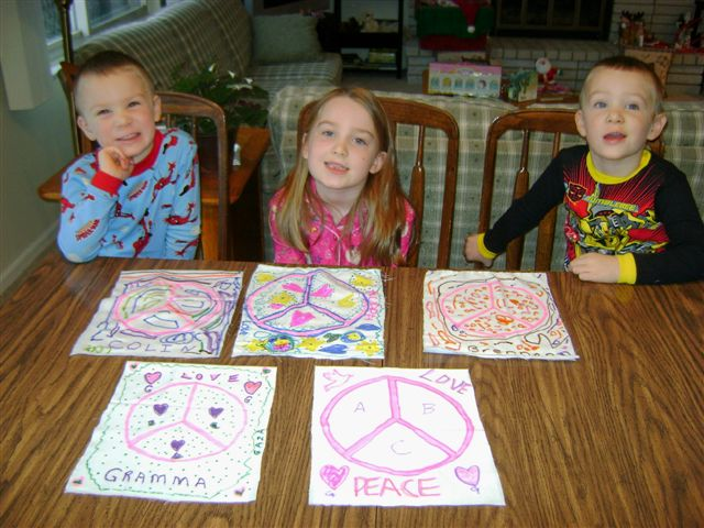 Kids in the US made peace flags for the march