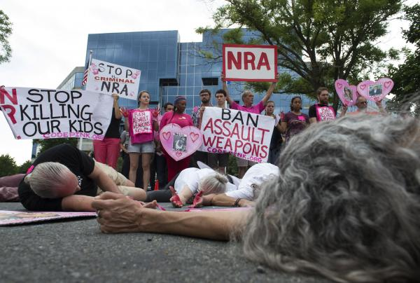 20-arrested-at-die-in-outside-NRA-headquarters.jpg